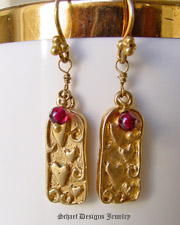 Schaef Designs Garnets & 22kt gold vermeil Hearts Dangle Earrings | New Mexico