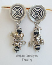 Schaef Designs Endangered Species African Animal & Black & White Trade Bead Charm Bracelet | New Mexico